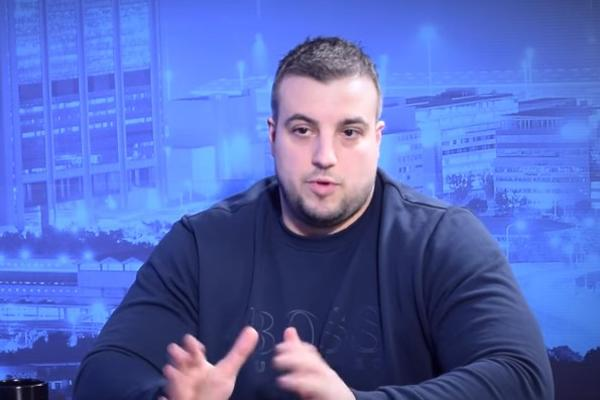 """Се огласи Кими, поранешниот лидер на """"Гробарите"""": Кој е Сале Мутави па играчите да носат маици со неговиот лик? (ВИДЕО)"""