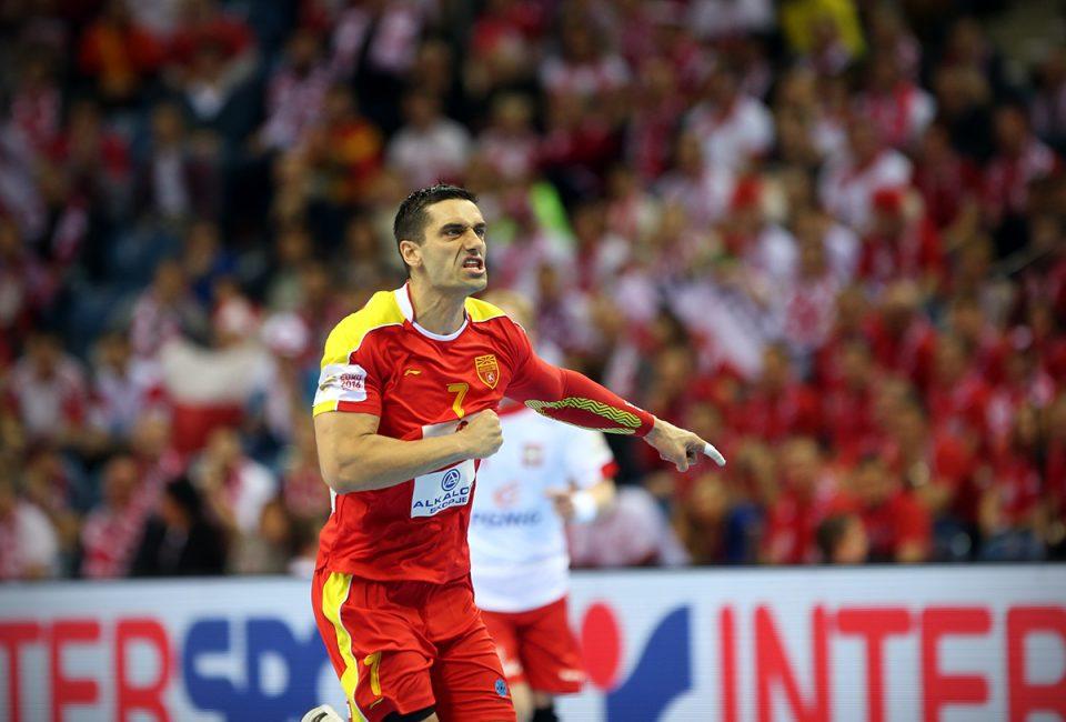 Кире Лазаров нема да игра против Данска!