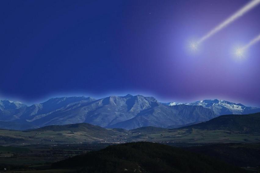 Мистериозна сина комета доаѓа кон Земјата: Бизарната трага која ја остава зад себе ги хипнотизирала астрономите