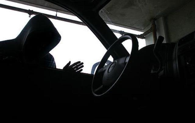 Крадците удрија по автомобили: Украден уште еден во Скопје
