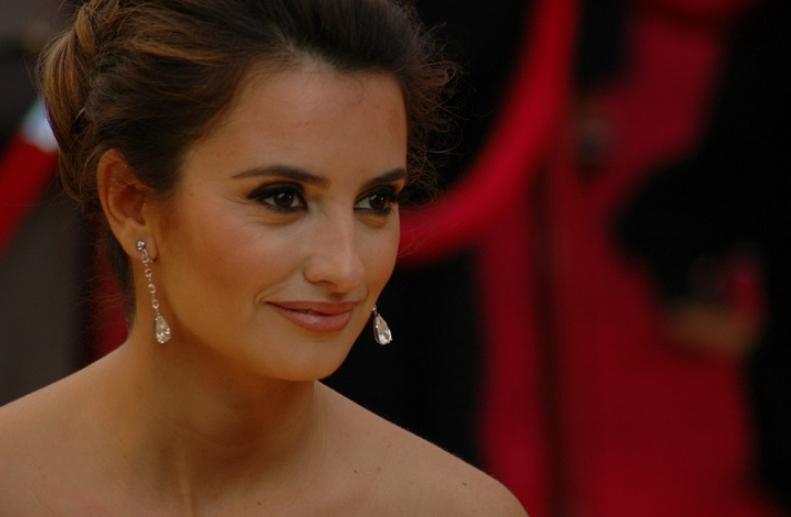 Пред неа клечеа најголемите заводници на Холивуд: Неверојатните трансформации на славната убава актерка