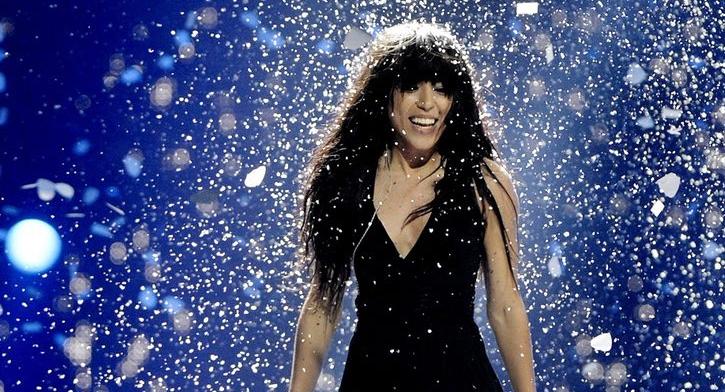 ФОТО: Убавата пејачка ја покори Европа и заведуваше со прекрасната коса, промената која ја направи е шокантна