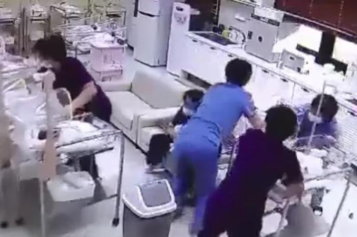 Камерата го забележа моментот кога почна земјотресот: Поради реакцијата на овие медицински сестри многумина заплакаа (ВИДЕО)