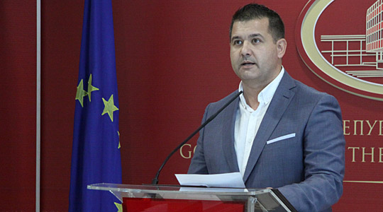 Бoшњаковски: Средбата во Давос исчекор кон решение за спорот за името