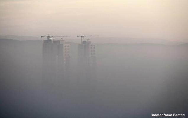 """The Guardian: Токсичниот """"подарок"""" од Велика Британија ги труе Македонците"""