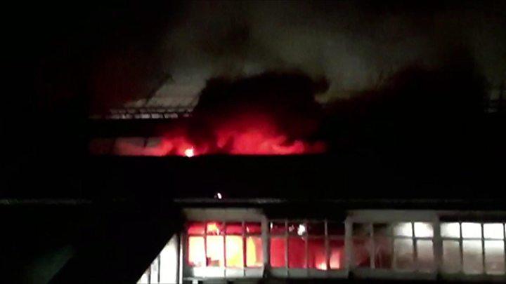 Голем пожар во железничката станица во Нотингем
