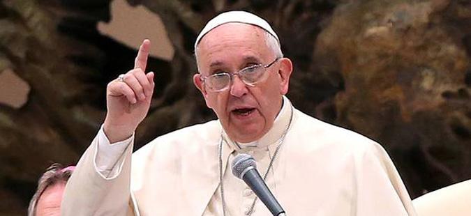 Папата изврши кадровски промени во медиумската дејност на Ватикан