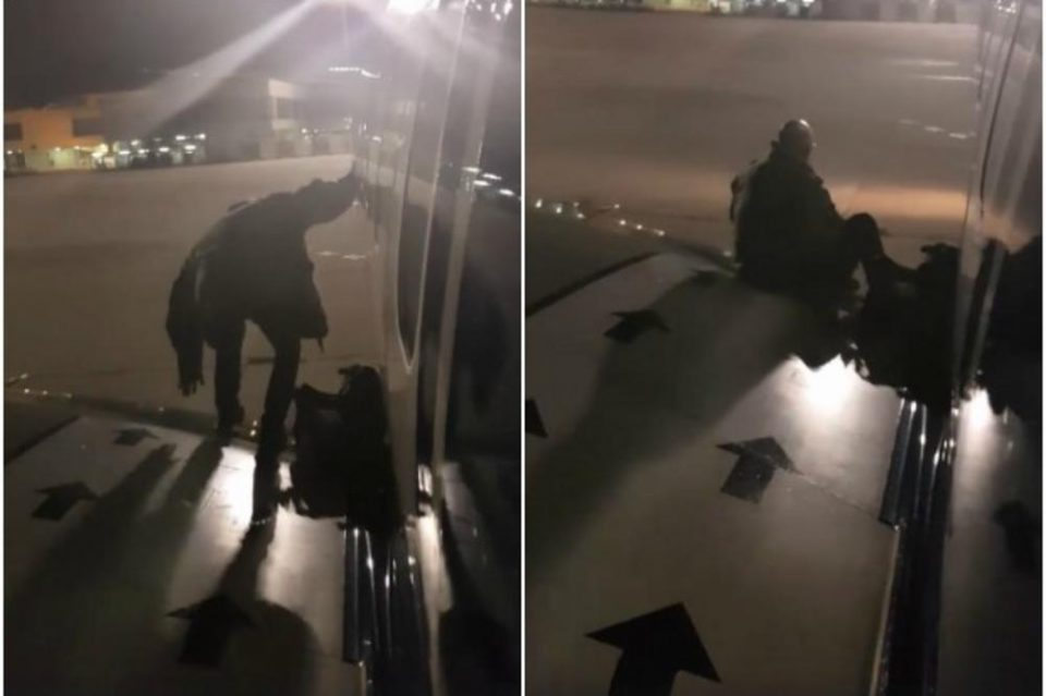 Доста му било чекање: Патник ја отвори вратата на авионот и излезе преку крилото (ВИДЕО)