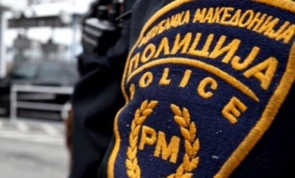Момче од Пробиштип направило хаос: Учествувал во сообраќајка па избегал, а кога го уапсиле нападнал полицаец и повторно избегал