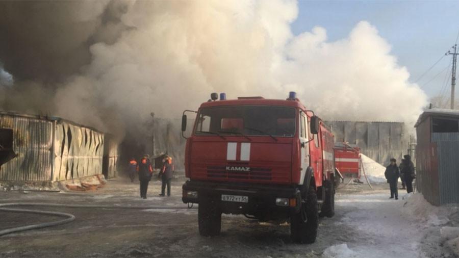 ФОТО: Голем пожар во фабрика во Русија, најмалку 10 загинати