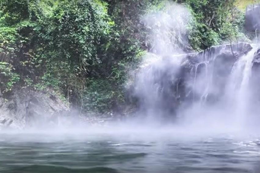 Мистериозна река која убива сè што ќе ѝ се најде на патот – луѓето ја сметаат за света и лековита (ВИДЕО)