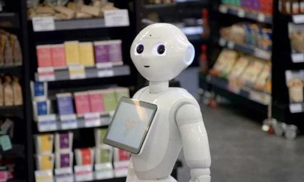 Робот доби отказ во супермаркет, ги збунувал купувачите