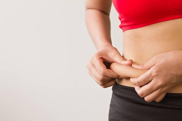 Што треба да појадувате за да го изгубите салото околу стомакот?