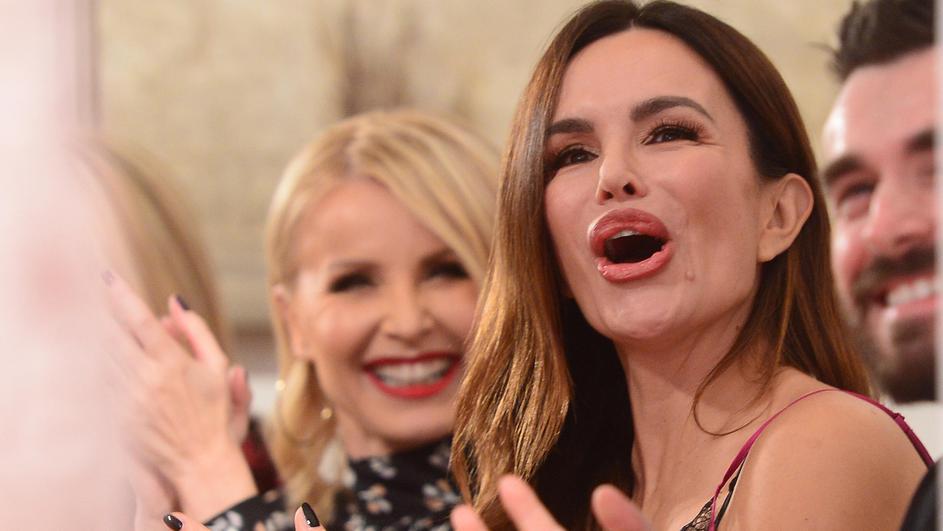 ПРОСЛАВА ВО ДОМОТ НА СЕВЕРИНА: Пејачката сподели среќни вести, не избира време ниту место за оваа посебна личност