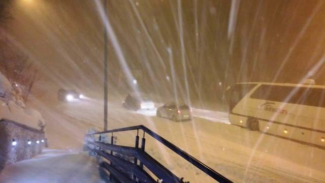 Внимателно во сообраќајот, еве каде има дожд, a каде снег во моментов