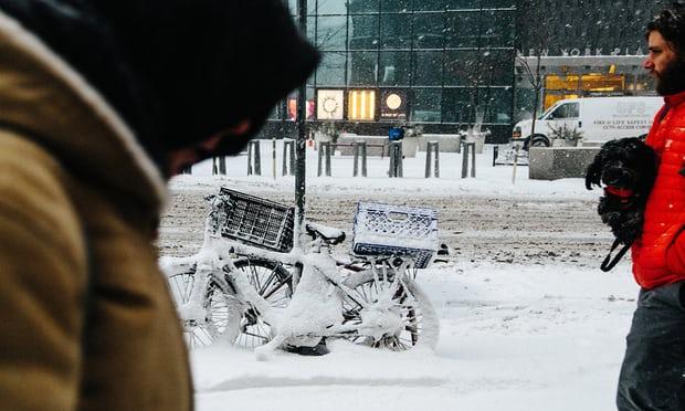 Прва жртва од снежната бура во САД