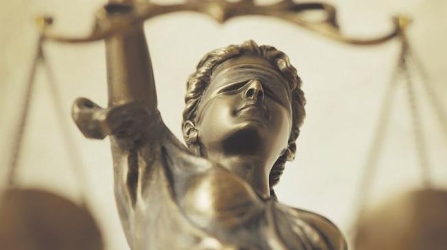 СКАНДАЛ: Дактилографка ги распределува предметите на судиите во Кривичен