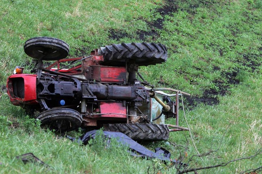 Тракторист тешко повреден во несреќа во охридско