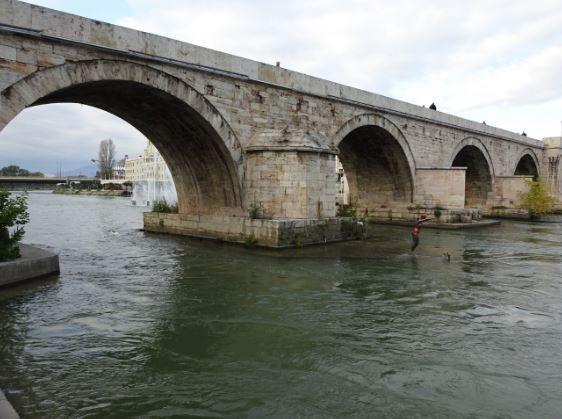 Водостоите на реките во опаѓање