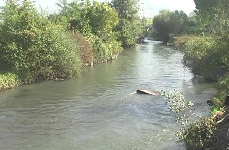 Вардар се излеа во Полог, поплавени куќи, дворови и ниви