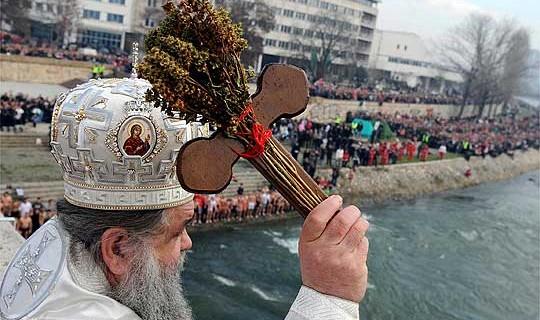 Досега 111 пријавени за учество во положување на крстот во Скопје, пријавувањето трае до 19 часот