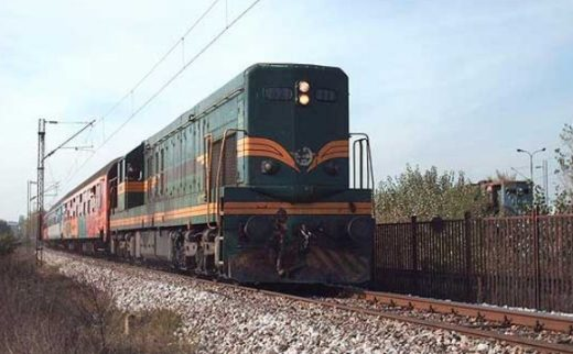 Саботажа кај Сарај: Поради поставени камења на пруга ќе излетал возот