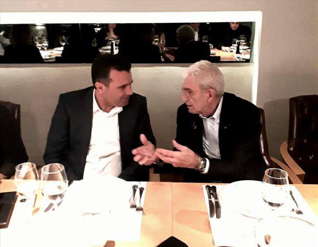 Наместо со својот народ, Заев во странство- критики за однесувањето на премиерот по социјалните мрежи