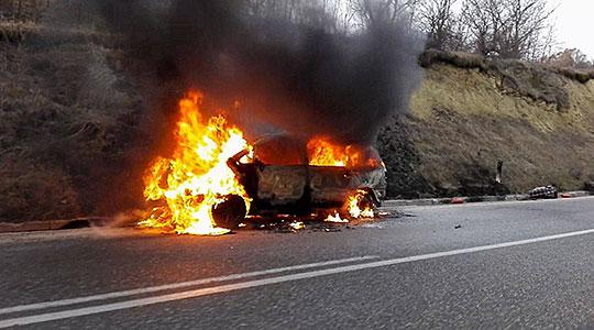 Нападнат прилепчанец и запалено неговото возило