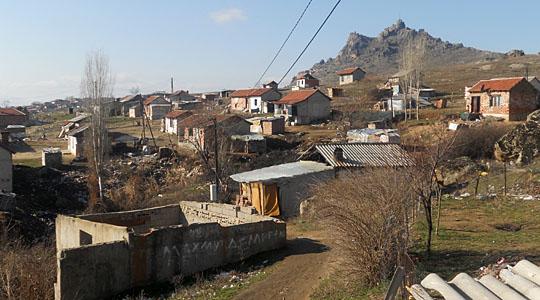 """Прилеп потпиша договор со ЕВН за населбата """"Три багреми"""""""