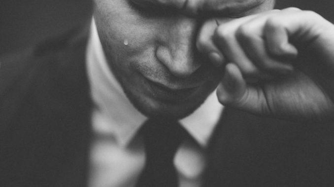 Никогаш не ја заборавил: Се оженил со друга, па на поранешната и испратил порака која ќе ви го скрши срцето!