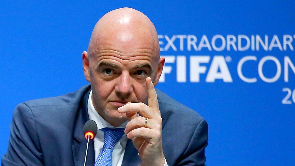 Инфантино: ФИФА ќе им даде право на судиите да прекинат натпревар во случај на расизам