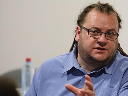 По поништување на конкурсот за класични композиции реакции: Алаѓозовски не смее да биде министер повеќе ниту еден ден