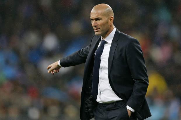 Зидан ги прекрши правилата за самоизолација во Мадрид