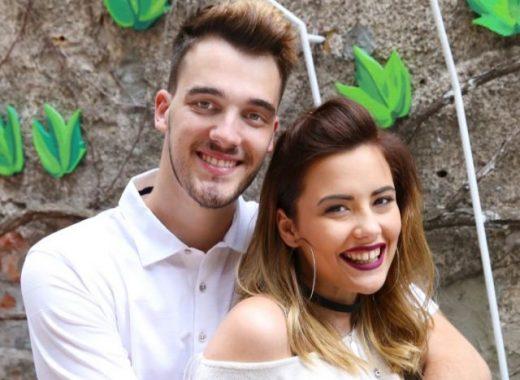 Српскиот пејач тајно се ожени- наместо одело и венчаница со сопругата се облекоа вака (ФОТО)