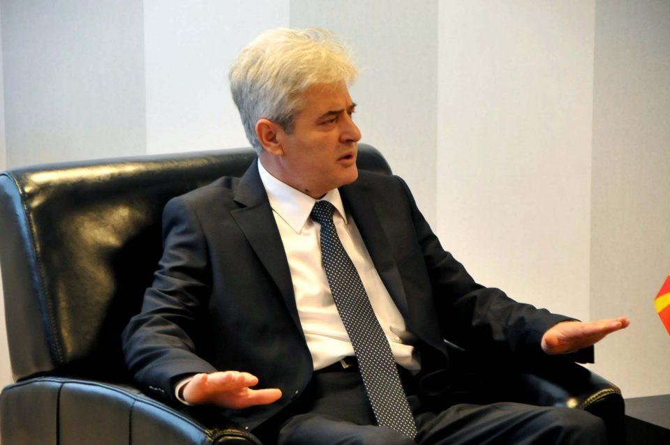Ахмети му врати на Заев: Премиер не се станува ниту со 46 пратеници!