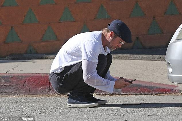 ФОТО: Бред Пит предизвика сообраќајка
