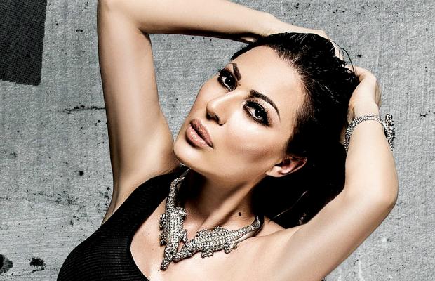 Денес е најпосакувана пејачка на Балканот, а погледнете како изгледала Цеца на својата матура (ФОТО)