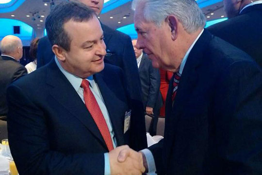 """Дачиќ – Тилерсон: Србија сака да ги """"ресетира"""" односите со САД"""