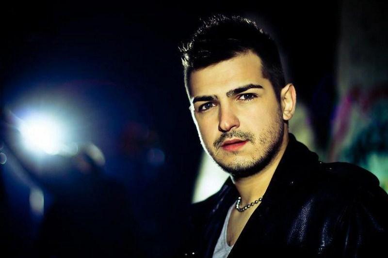 Познатиот македонски пејач со неговата сакана се пресели на Флорида (ФОТО)
