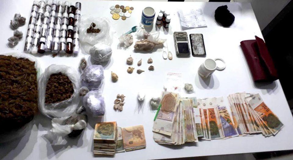 ФОТО: Марихуана, метадон, екстази, кокаин и хероин пронајдени кај маж од Неготино