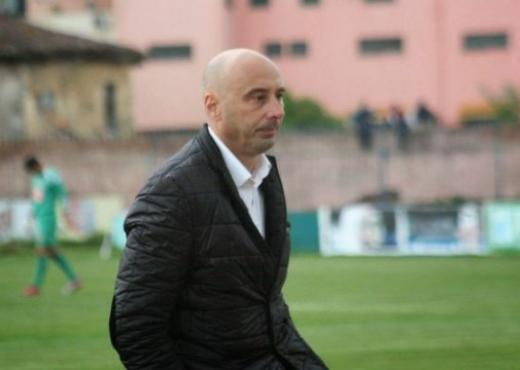 Фудбалски тренер избоден со нож во Албанија