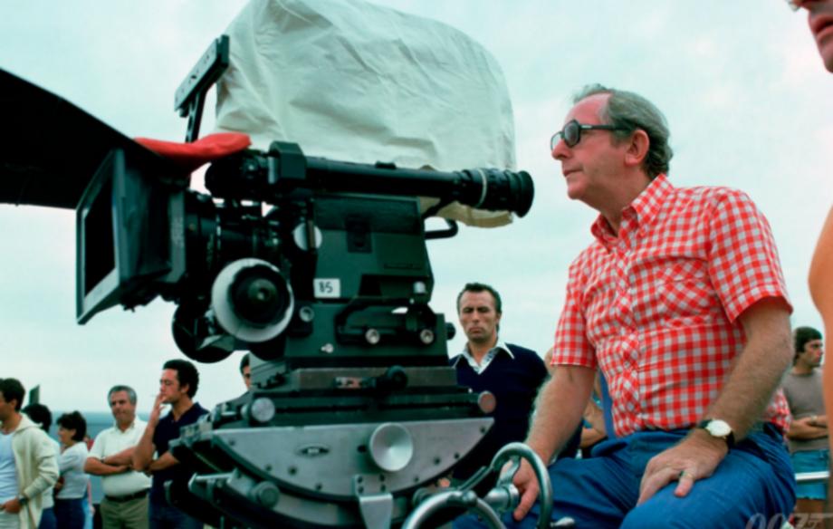 Почина режисерот на филмовите за Џејмс Бонд