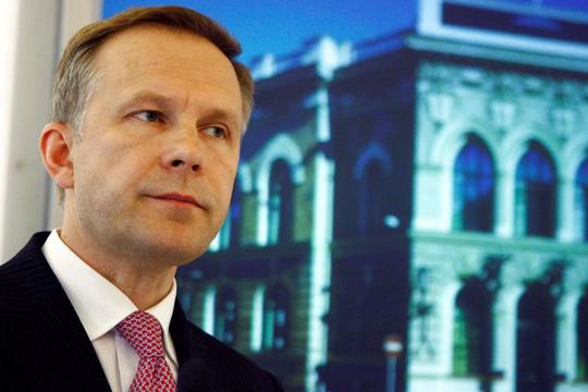Уапсен гувернерот на централната банка на Летонија