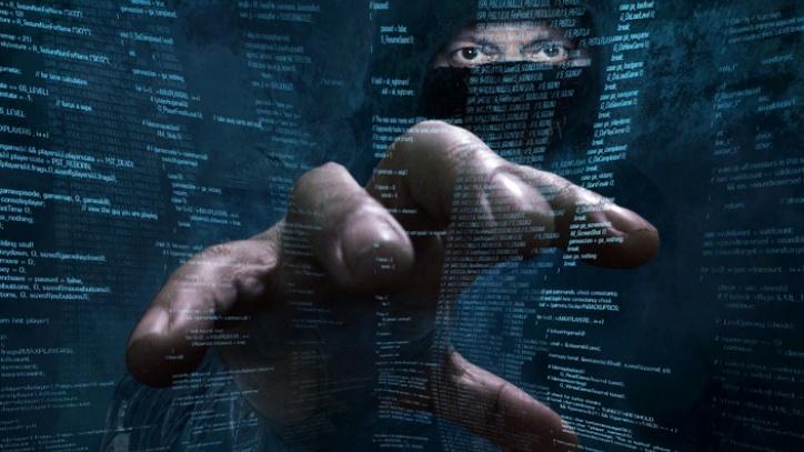 Повеќе од една третина злоставувани на Интернет го познавале сторителот
