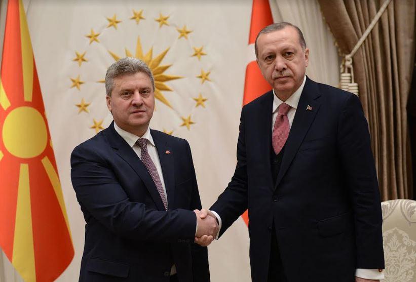 Ердоган по средбата со Иванов: Ќе умреме, но не отстапуваме од одлуката за признавање на уставото име на Македонија