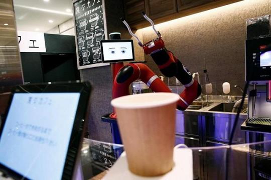 """""""Сакате кафе? Нема проблем, сега роботот ќе ве услужи"""""""
