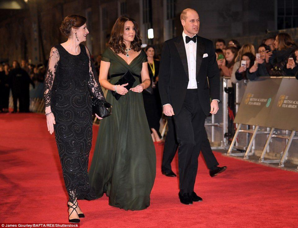 Со овој фустан Кејт Мидлтон разлути многумина, но блесна во полн сјај (ФОТО)