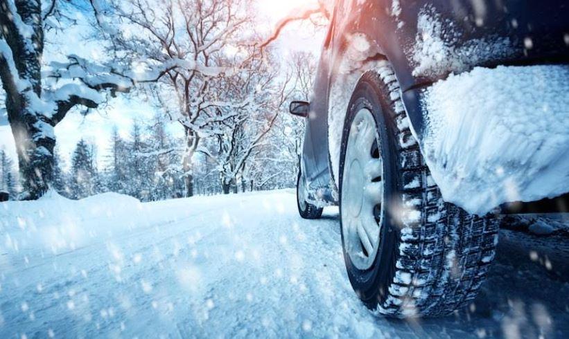 ВОЗЕТЕ ВНИМАТЕЛНО: Ниски температури, снег, голомразица и влажни коловози