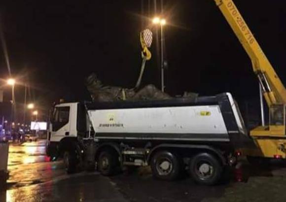 ИСИС во Сирија и СДСМ во Македонија рушат споменици: Во 3 часот изутрина на шверцерски начин тргнат Ќосето