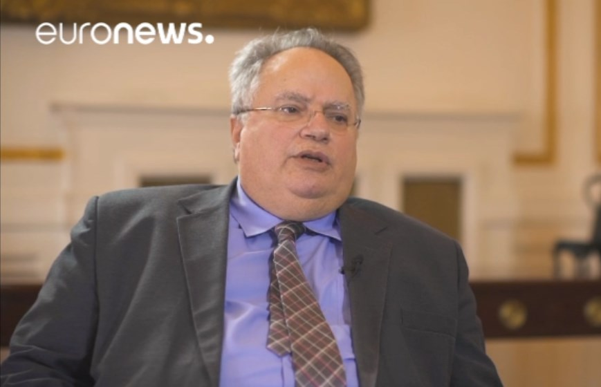 Шок од Атина: Заев во Давос договорил промена на уставното име, Коѕијас бара македонската влада јавно да го соопшти